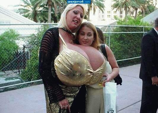 Самая большая женская грудь